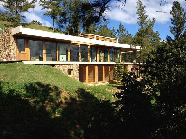 современный зеленый особняк от чилийской архитектурной студии Vasho