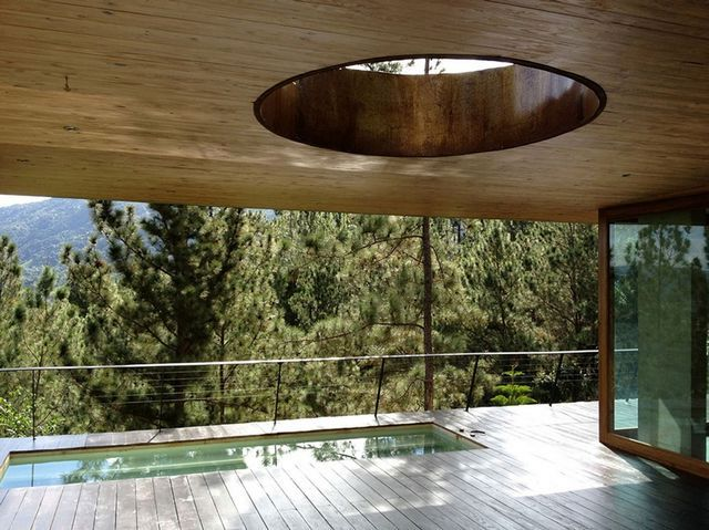 бассейн на террасе эко дома в Домиикане