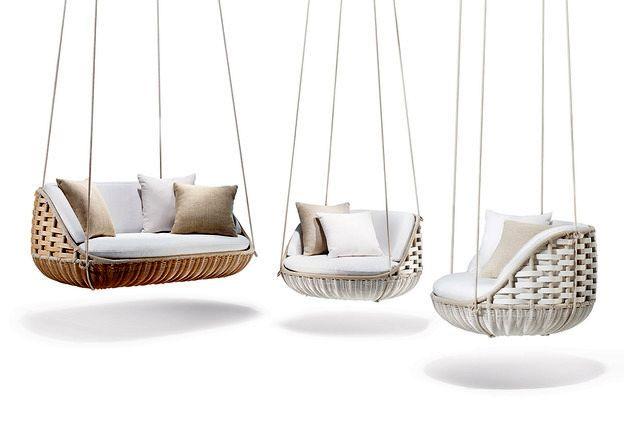 подвесные кресла и диван