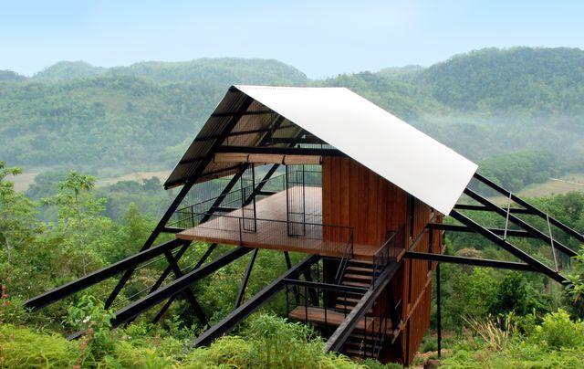 деревянный дом на сваях от narein  perera