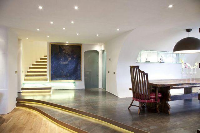 дом без углов Bauma House - гостиная