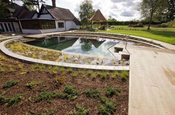 круглый искусственный пруд бассейн на даче