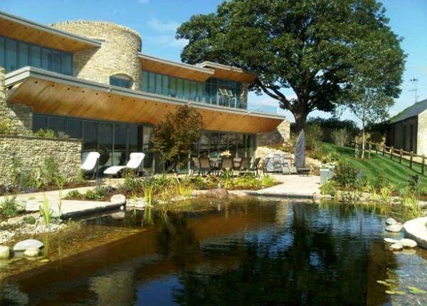 искусственный пруд бассейн на даче