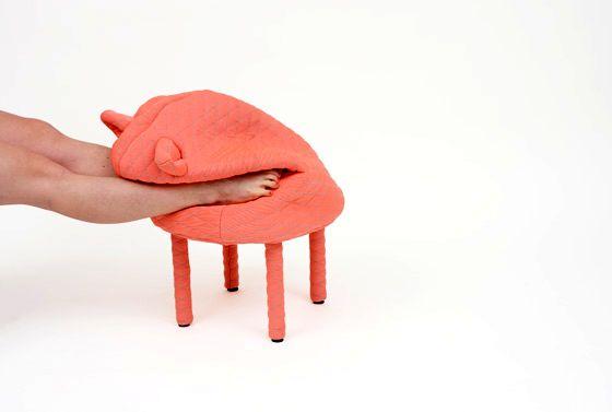 табуретка для ног с утеплителем в виде поросенка