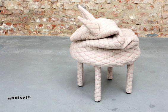 табуретка для ног в виде животного
