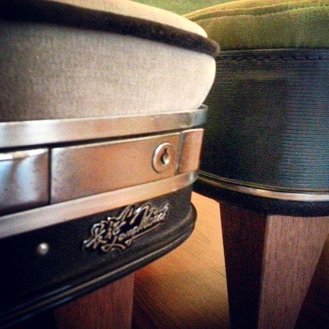 детали кресла из чемодана