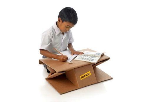 картонная мебель для бедных детей из Индии
