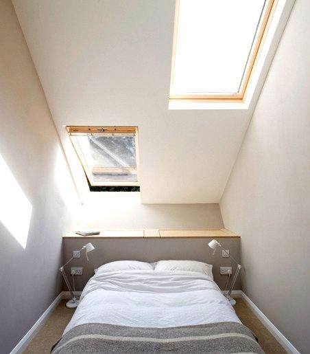 интерьер спальни в узком доме