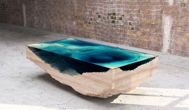 стеклянный журнальный столик the Abyss table от Кристофера Даффи