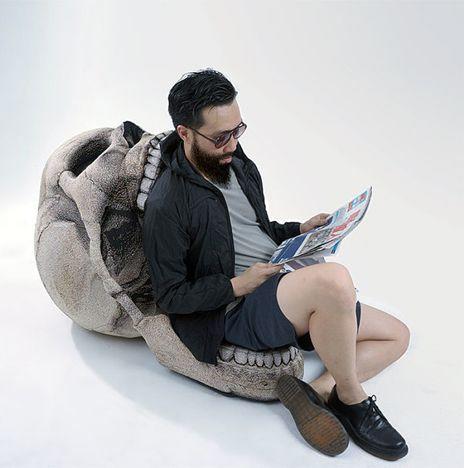 тематическое кресло-череп к празднику Хэлоуин