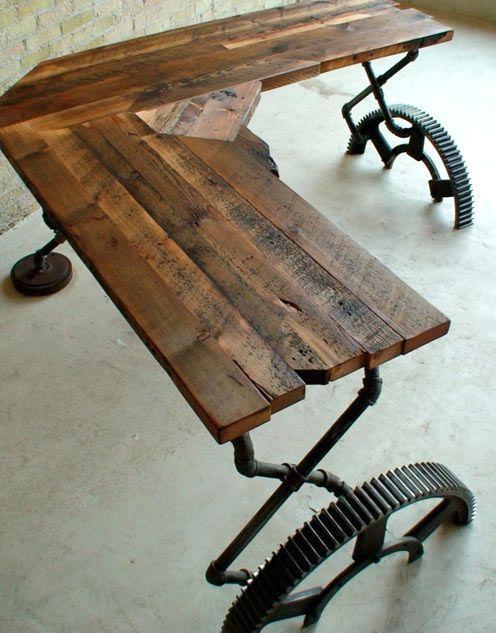 стол из станка в индустриальном стиле