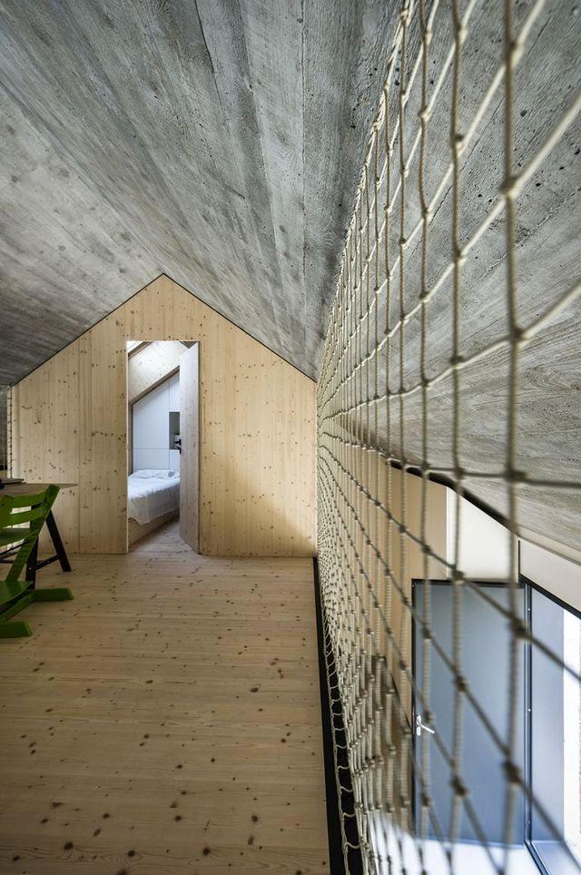 compact-slovenia-house-10