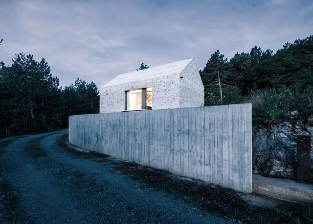 compact-slovenia-house-13