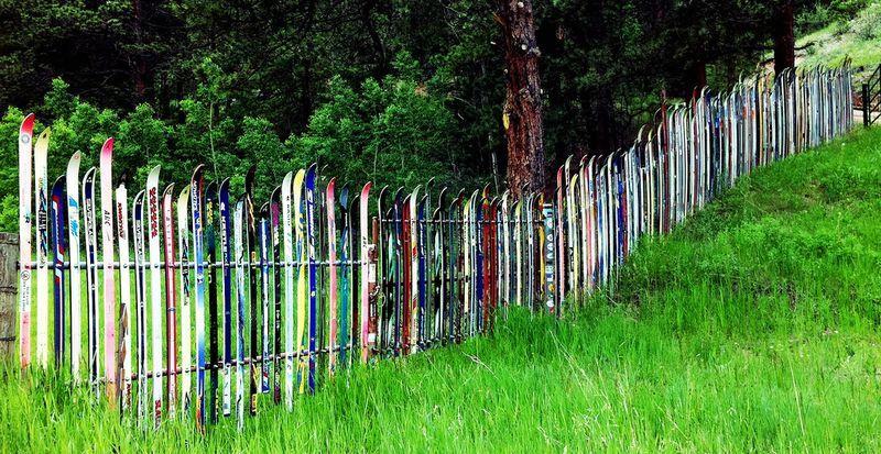 забор из лыж своими руками