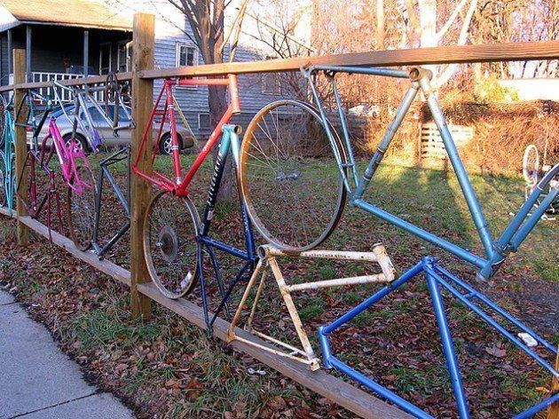 забор своими руками из велосипедных деталей