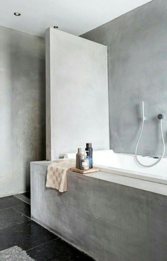 ванная комната в индустриальном стиле с полированным бетоном