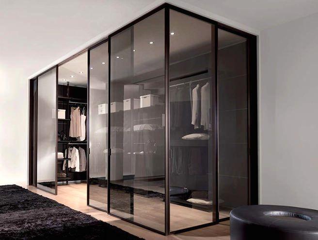 дизайн стеклянной гардеробной