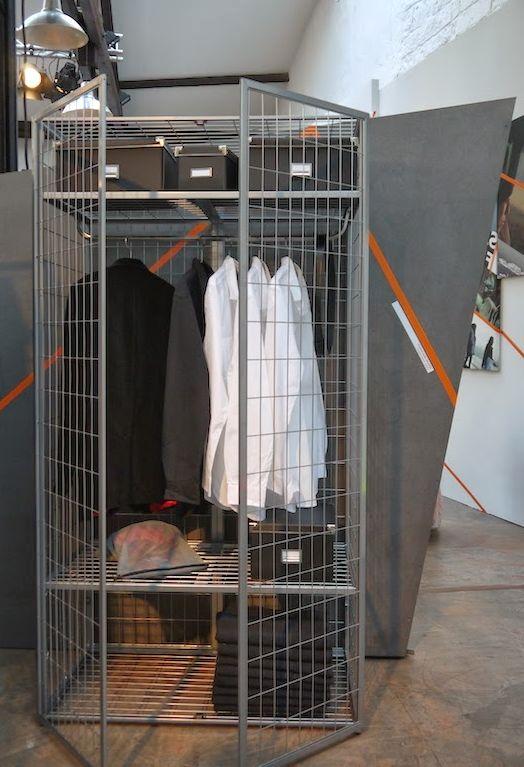 шкаф клетка для одежды