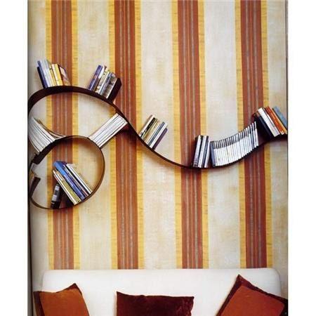 оригинальный дизайн полок для книг в виде спирали