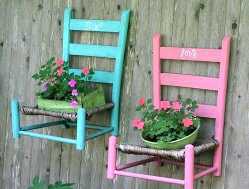 настенные подставки для цветов из стульев
