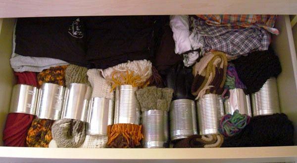 поделки из жестяных банок - органайзер для шарфов из жестяных банок