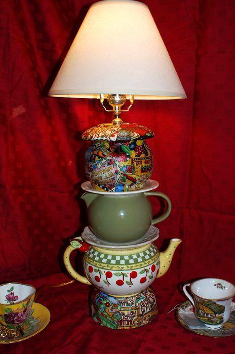 настольная лампа из чайников и чашек