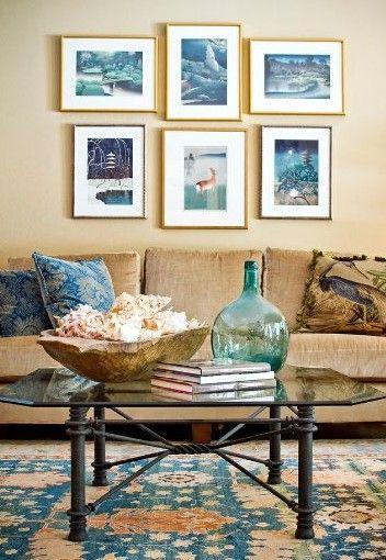 одна цветовая тема в интерьере с восточным ковром
