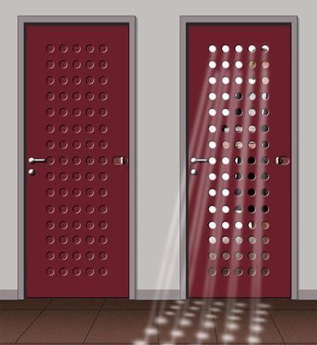 креативные двери с отверстиями