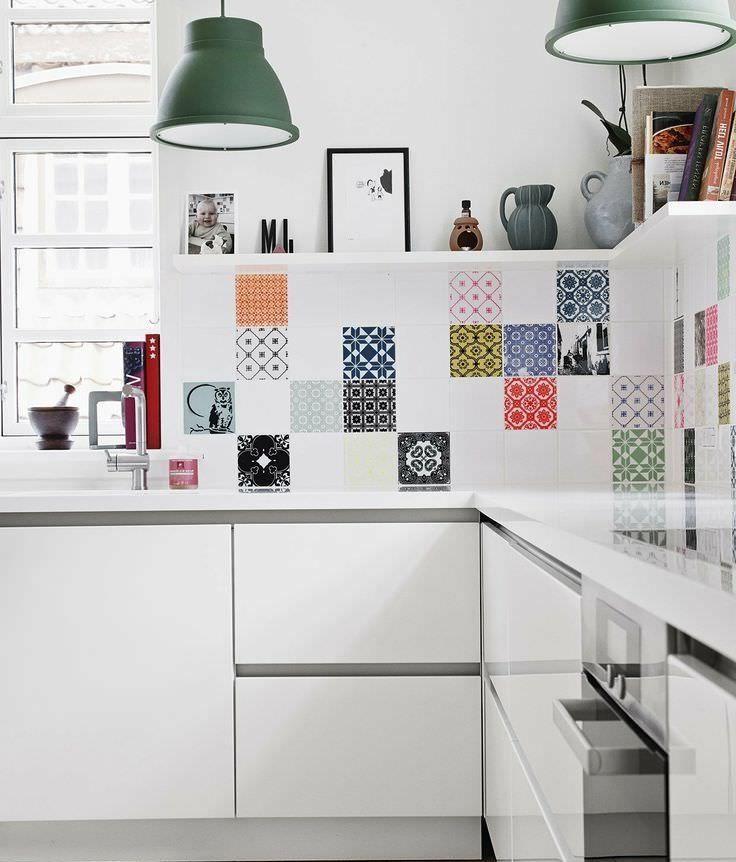 плитка на стене пэчворк в интерьере кухни