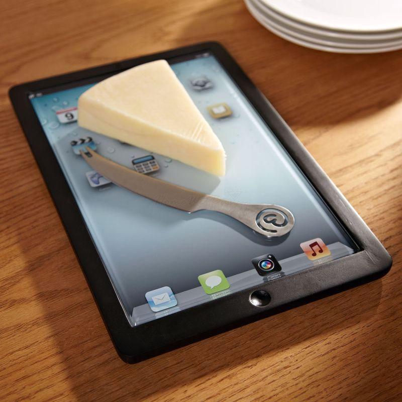 стеклянная разделочная доска в виде iPad