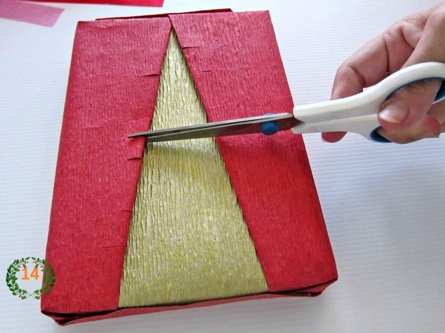 делаем новогоднюю подарочную упаковку с елочкой шаг 6