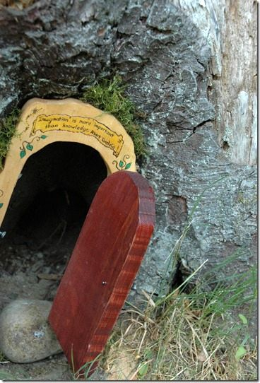 дверь для феи как декор сада 13