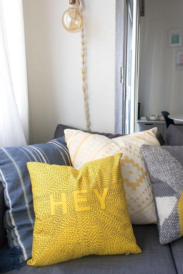 как обновить диванную подушку с помощью маркера