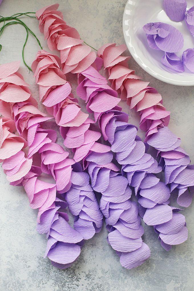 гирлянды из бумажных цветов