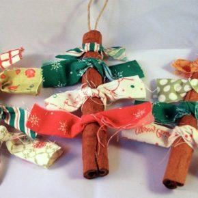 новогодний декор елочки из палочек корицы